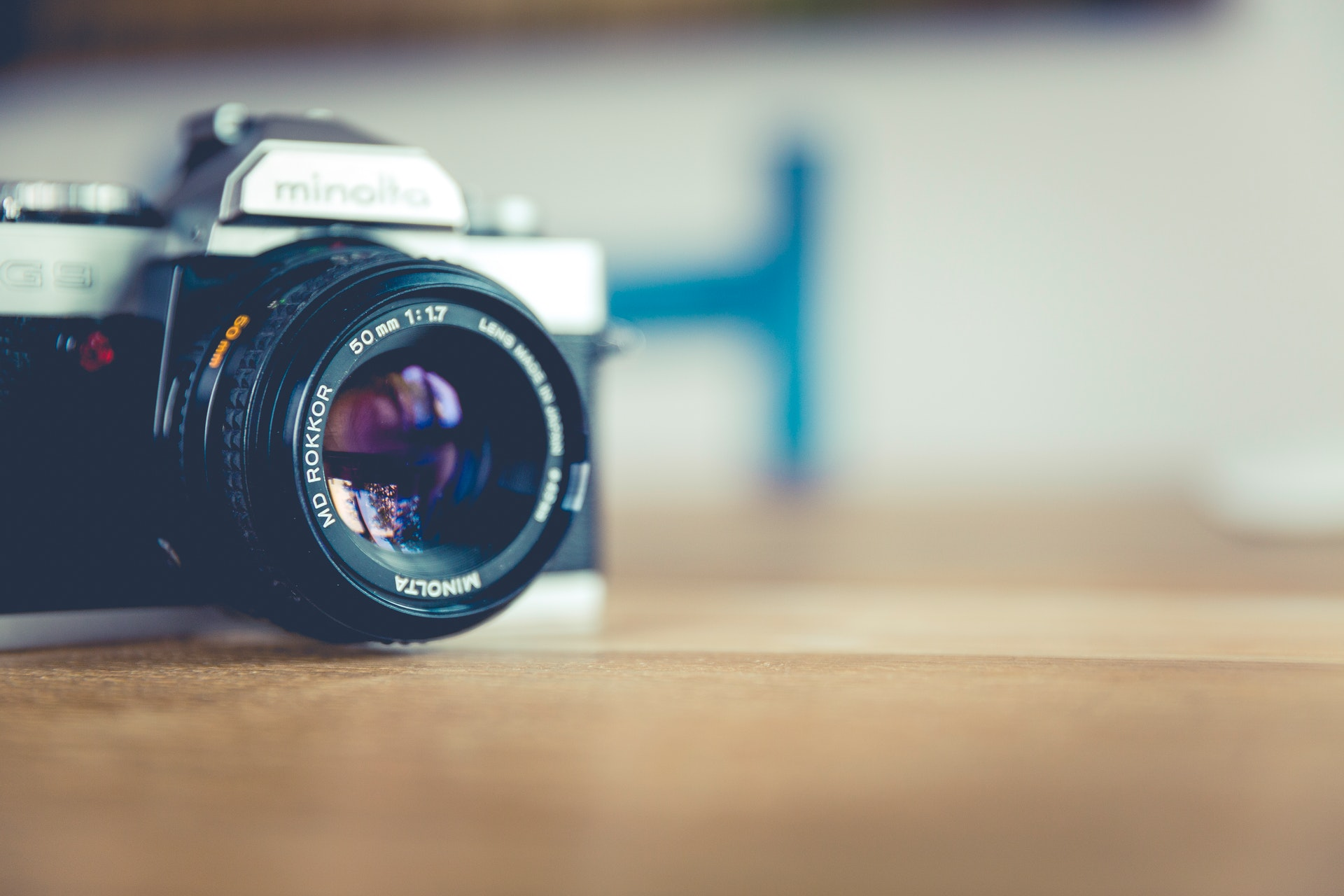 Picture of vintage camera. Photo by Markus Spiske from Pexels